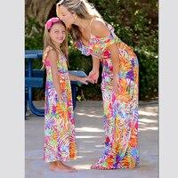 Длинные платья на бретелях для мамы и дочки; одежда для мамы и дочки; одинаковые комплекты одежды для мамы, мамы и дочки; одежда