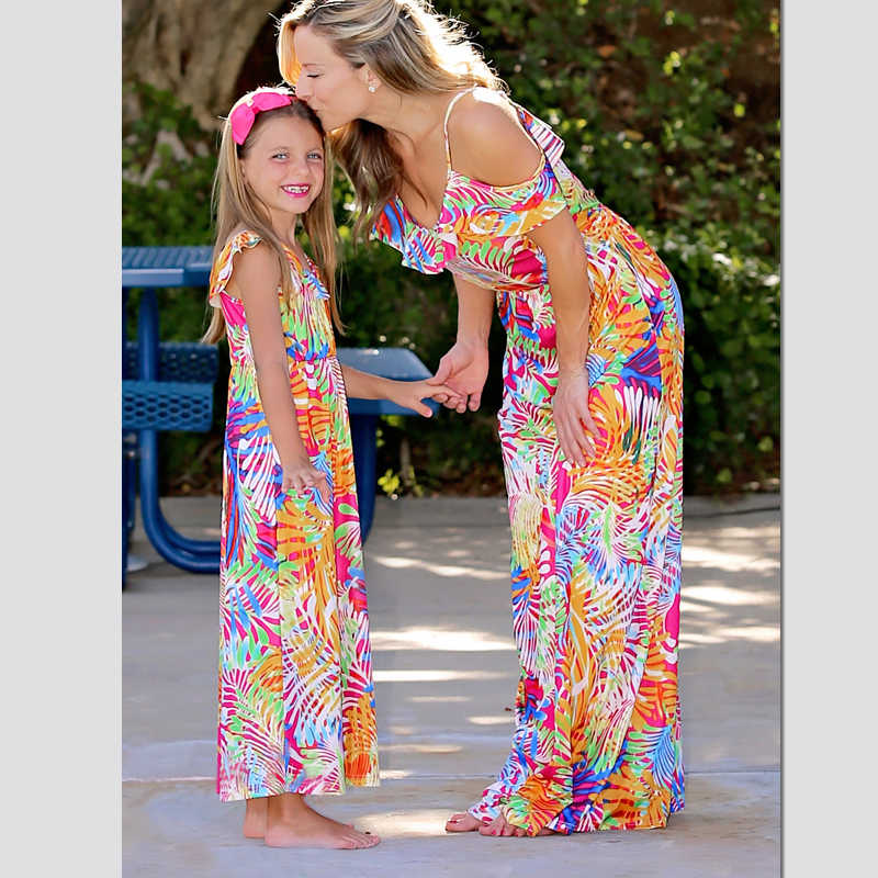 ยาวชุดเดรสลูกสาวครอบครัวดู Mommy และ Me เสื้อผ้าแม่แม่และลูกสาวการจับคู่ชุดชุดเสื้อผ้า