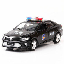 1:32 Toyota Camry special vehicle Child pull-back simulation alloy car model crafts decoration collection toy tools