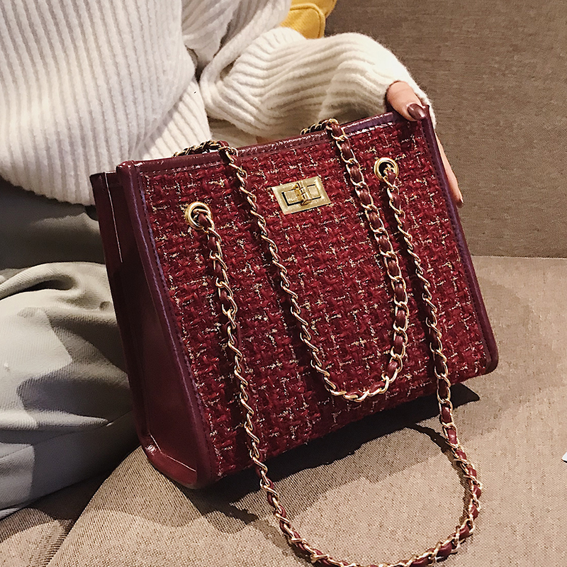 2 bags 2018 Winter Fashion New Ladies Big Tote bag Quality Woolen Women's Designer Handbag Lock Chain Shoulder Messenger bags 1