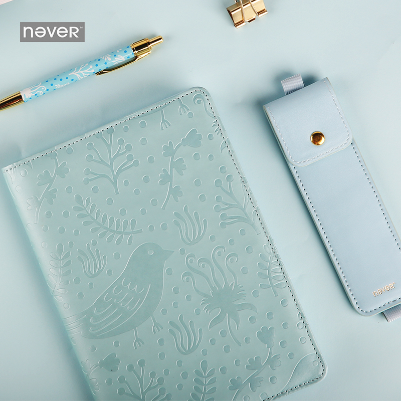 цена sky blue flower and bird A5 PU cover Notebook Metal pen & Bag Agenda School Supplies Diary Journal Travelers Notebook Planner A5