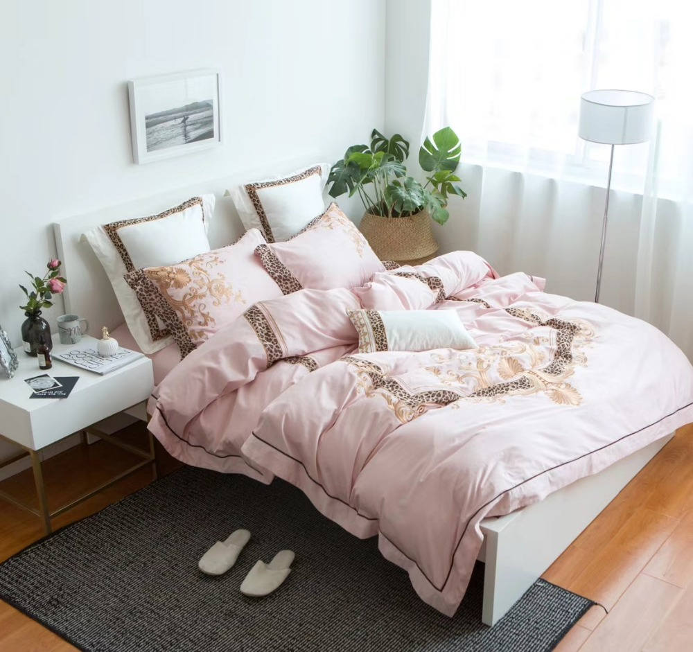 4pcs solid pink bedsheets with luxury embroidery and leopard print