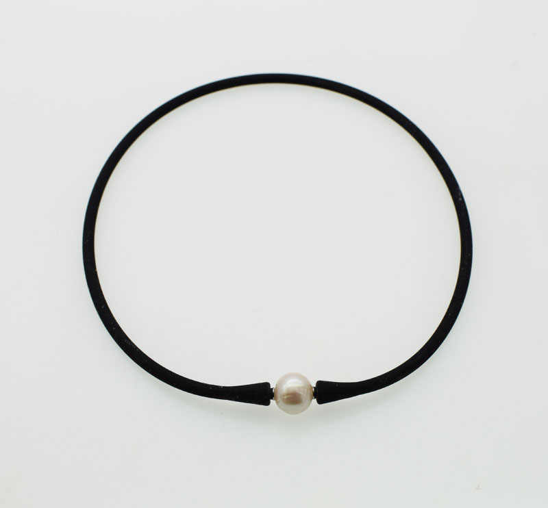 freshwater pearl near round  white 10-11mm and silicone necklace bracelet 40cm 19cm