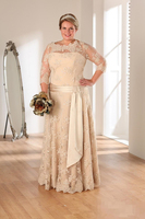 New Arrival Champagne Long Lace Mother Of The Bride Dress 2017 Sheer Neck 3/4 Sleeve A Line Dress with Ribbon for Wedding Party