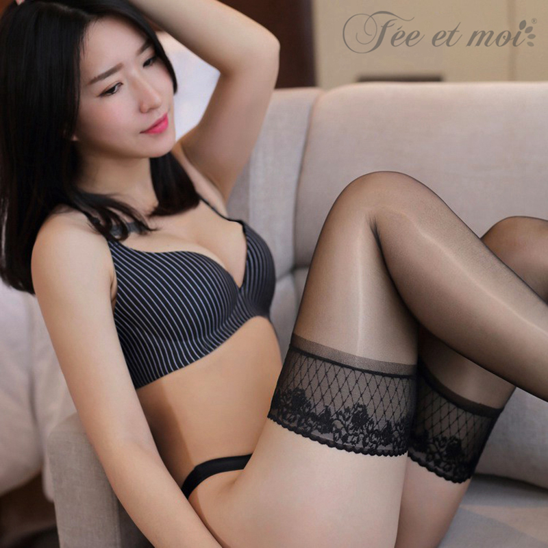 New Oil Shine Sheer Stockings For Women Flower Lace Silicon Under Lace Top Keep Thigh-high Up Free Size Elastic Plus