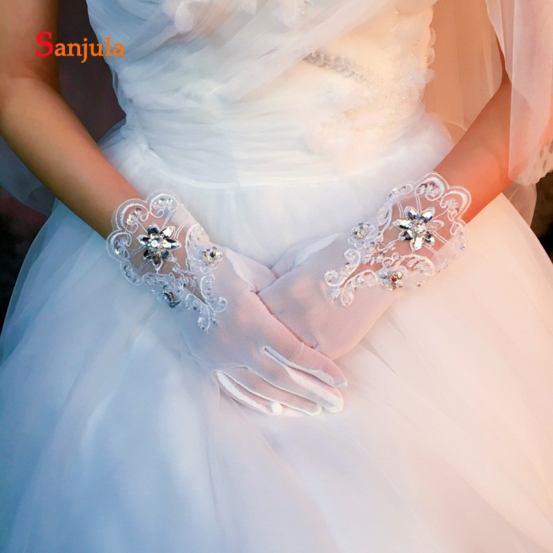 Full Finger Short Bridal Gloves with Beaded Lace Sequins Wedding Gloves for Bride Wrist Length White Gloves brauthandschuhe G39