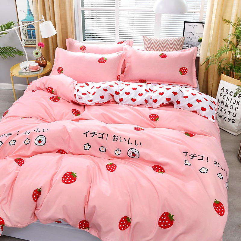 4pcs Kawaii Strawberry Pink Queen Size Bedding Set