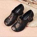 2019 primavera e verão sapatos femininos de couro genuíno retro respirável oco baotou grosso cabeça redonda sandálias femininas único sapatos
