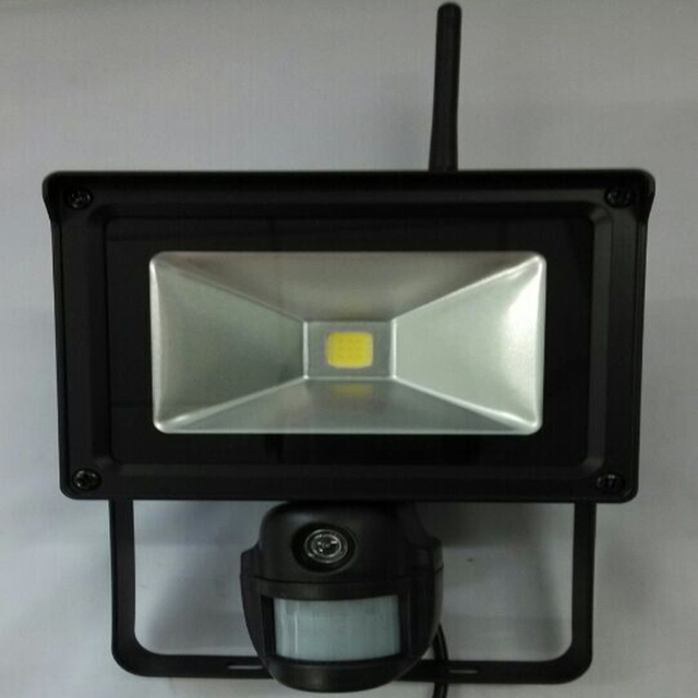 720p Hd Wifi Floodlight Ip Camera With Pir Sensor For Motion Detection Ip56 Waterproof Outdoor Free Mobile Monitoring