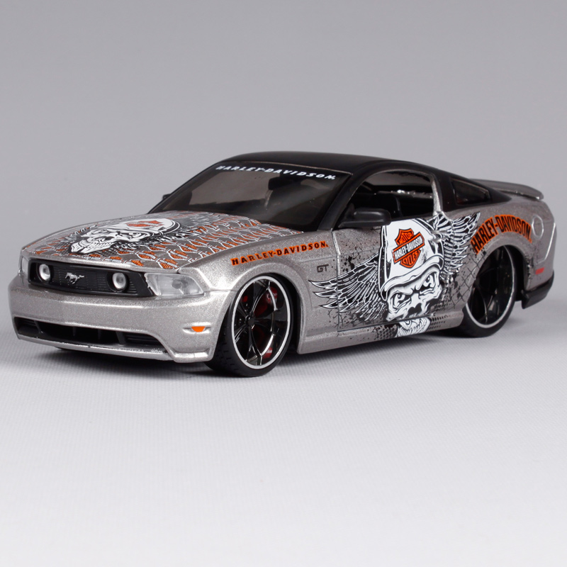 Maisto 1:24 Harley 2011 Ford Mustang GT Classic Modern
