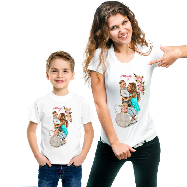 VOGUE Print Family Look Family Matching Outfits T-shirts For Mother And Daughter Clothes