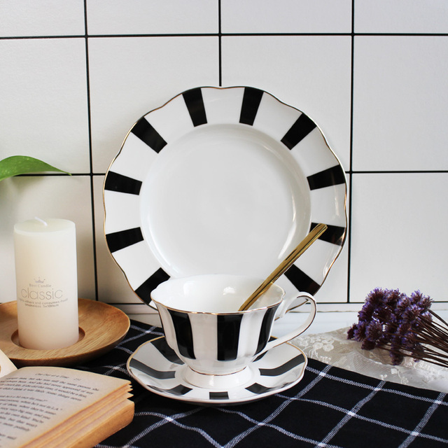 87c9a04bdaf Black and White Hepburn Vintage Striped Bone China Coffee Cup Europe  Porcelain Tea Cup Saucer Set 200ml Mug Tray Party Drinkware