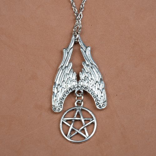 Evil supernature amulet to ward off evil pentagram necklace Hot selling movies jewelry N108