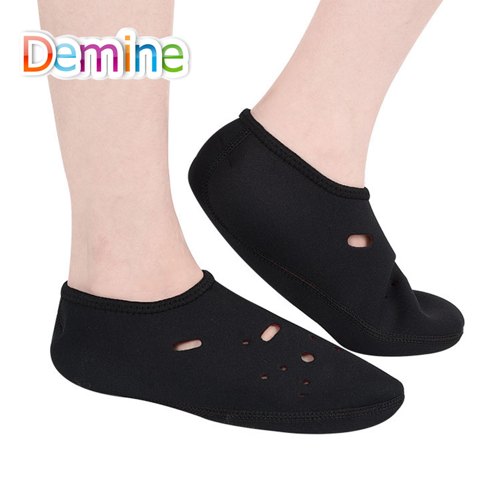 Sunvo Water Sport Beach Shoes Cover Summer Breathable Diving Foot Socks Outdoor Surfing Shoes Men Women Girl Boys Sandals Covers
