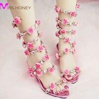 Kadın Düğün Sandalet 2016 Kristal ve Pembe Çiçek Kadın Gladyatör Sandalet Yaz Elbise Ayakkabıları Kama Topuk Burnu açık Gelin Çizmeler