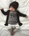 2017 Otoño bebé niño ropa ropa de bebé de moda Carta de algodón de manga larga t-shirt + pantalones Recién Nacido bebé que arropan el sistema