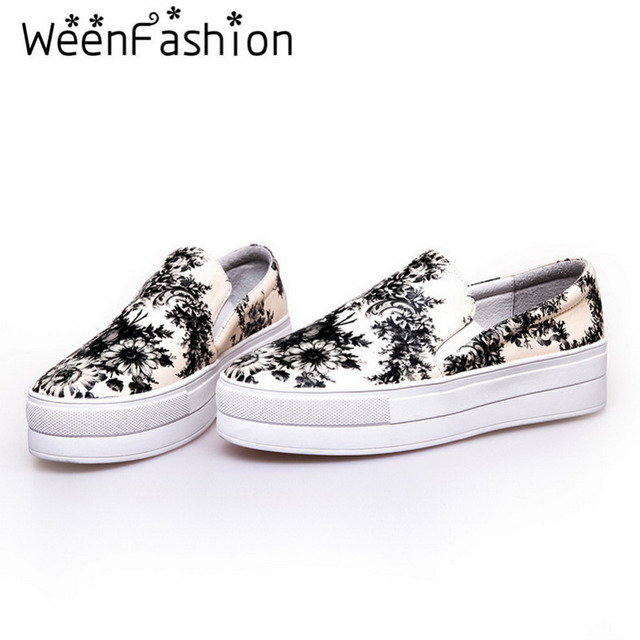 WeenFashion Women Round Toe Platform Shoes Comfortable Girl Embossed Leather Slip-On Flat Shoes Vamp Flowers Pattern Rubber Sole