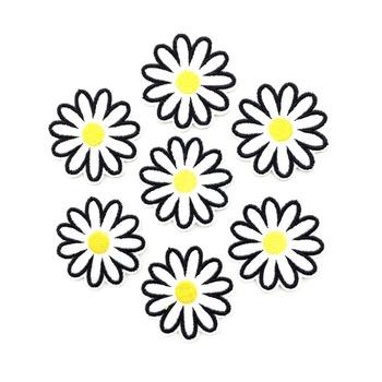 4 7cm haftowane żelazko na plastry na ubrania żelazko na aplikacje do odzieży DIY stokrotka kwiat naszywki do szycia znaczek 10 sztuk tanie i dobre opinie Fresh Garden Do przyprasowania HANDMADE Przyjazne dla środowiska P-170191 Haftowana Embroidery Appliques Patches For Clothing