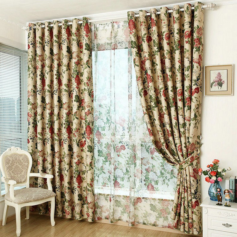 Modern Style Luxury Vindu Blackout Floral Curtain For Kjøkken / Stue Blackout Curtain Floral Rustikk Møblering Tilpasset