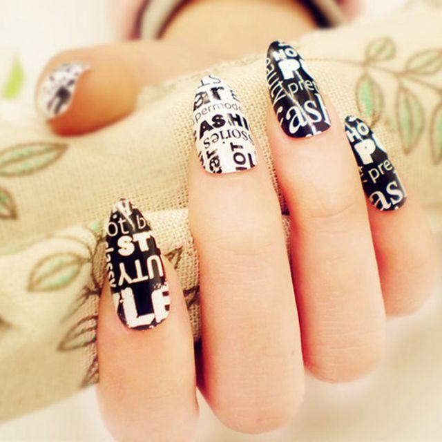 Fashion Short Fake Nail Black White Stiletto Nails DIY Word Patterns ...