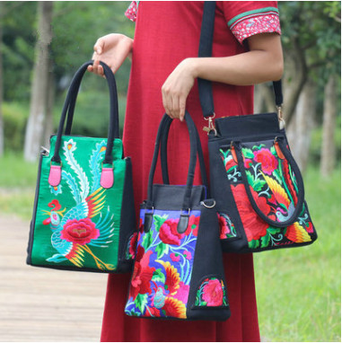 New All-match Women Embroidery Handbags!Hot national flower embroidered Shoulder bags Top ethnic cloth Canvas Shoulder&Handbags ethnic embroidered black cami dress for women