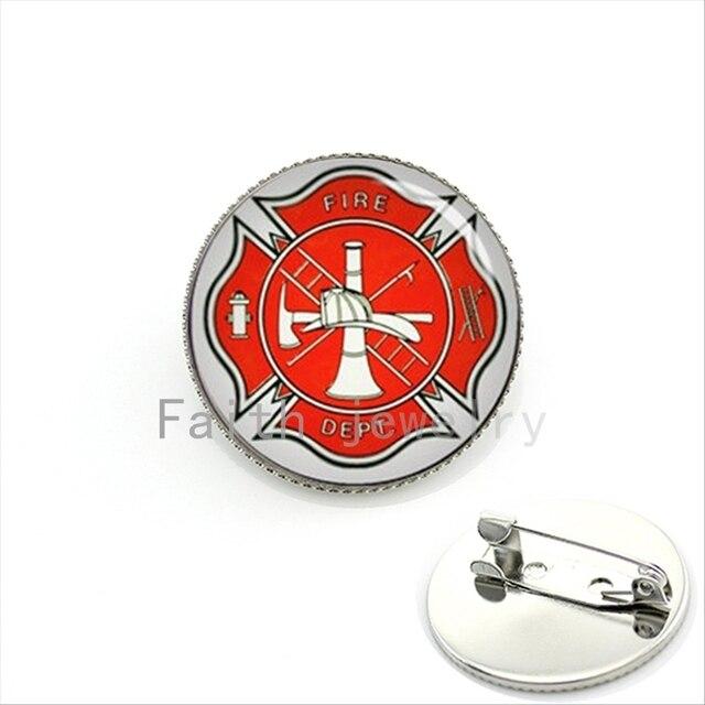 dce8805744a Nova moda elegante pinos broche feito à mão Cruz de Malta bombeiro  Bombeiros KC387 Símbolo de