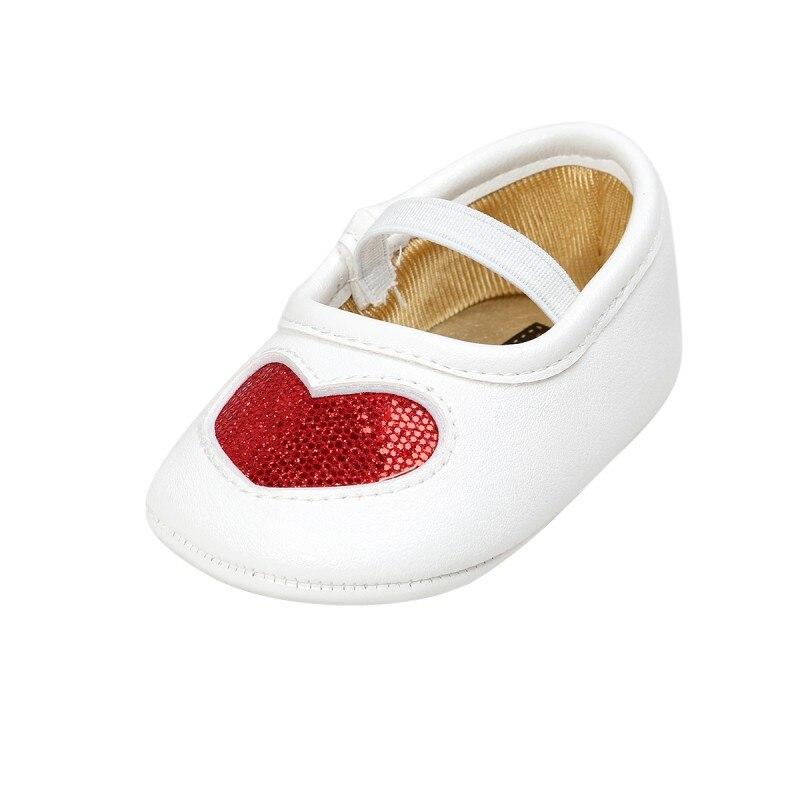 Демисезонный маленьких Обувь для девочек ins Новая любовь PU мягкая подошва для Туфли принцессы