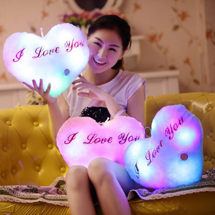 Luminous toys Juguetes Brinquedos Party Toys Led Light Pillow Plush Pillow  Heart Shaped  Kids Toys  Birthday Gift 4 Color patrulla canina with shield brinquedos 6pcs set 6cm patrulha canina patrol puppy dog pvc action figures juguetes kids hot toys
