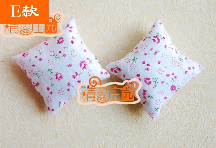 MINI dollhouse miniature Mini accessories for furniture cushions one pair
