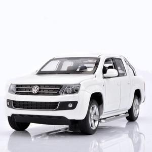 Image 2 - Simulatie 1:30 Amarok 4 open deur pickup truck model, metalen geluid en licht terug naar kinderen gift speelgoed model auto, gratis verzending