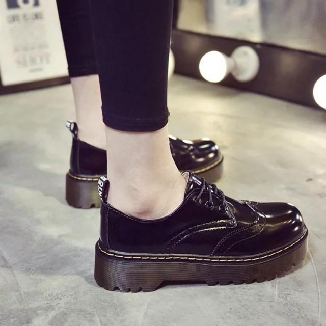 COOTELILI Designer Shoes Women Luxury 2018 Brogue Flat Platform Shoes Woman 4cm Heel PU Leather Lace-Up Ladies Shoes Flats 35-40