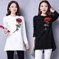 Tendencia nacional floja bordada mujeres elegantes camisas de manga larga de punto pullover abrigos blanco negro camisa femenina básica