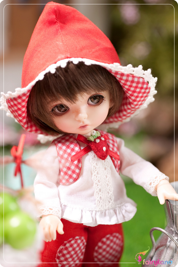 1/8 scale BJD about 15cm pop BJD/SD cute pukifee bonniel Resin figure doll DIY Model Toys gift.Not included Clothes,shoes,wig