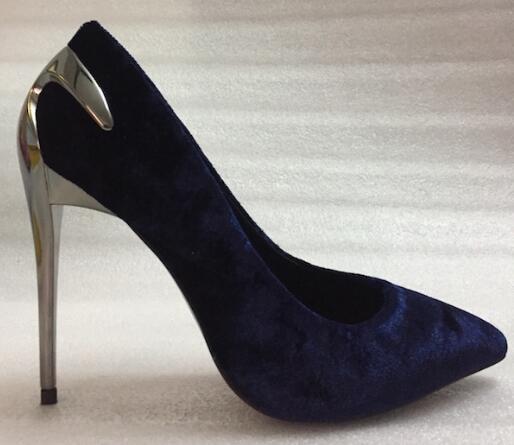 2018 Весна осень должен иметь Новый стиль женские из лакированной кожи с острым носком тонкий Обувь на высоком каблуке с металлическим украше