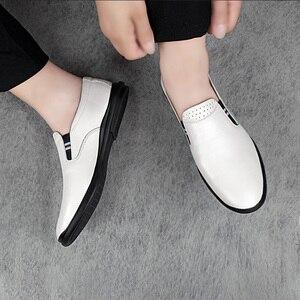 Image 2 - 2020 أحذية رجالي عادية حقيقية أحذية جلدية بدون كعب الذكور الكلاسيكية أبيض أسود الانزلاق على حذاء رجل الشقق أحذية قيادة للرجال حجم 37 46