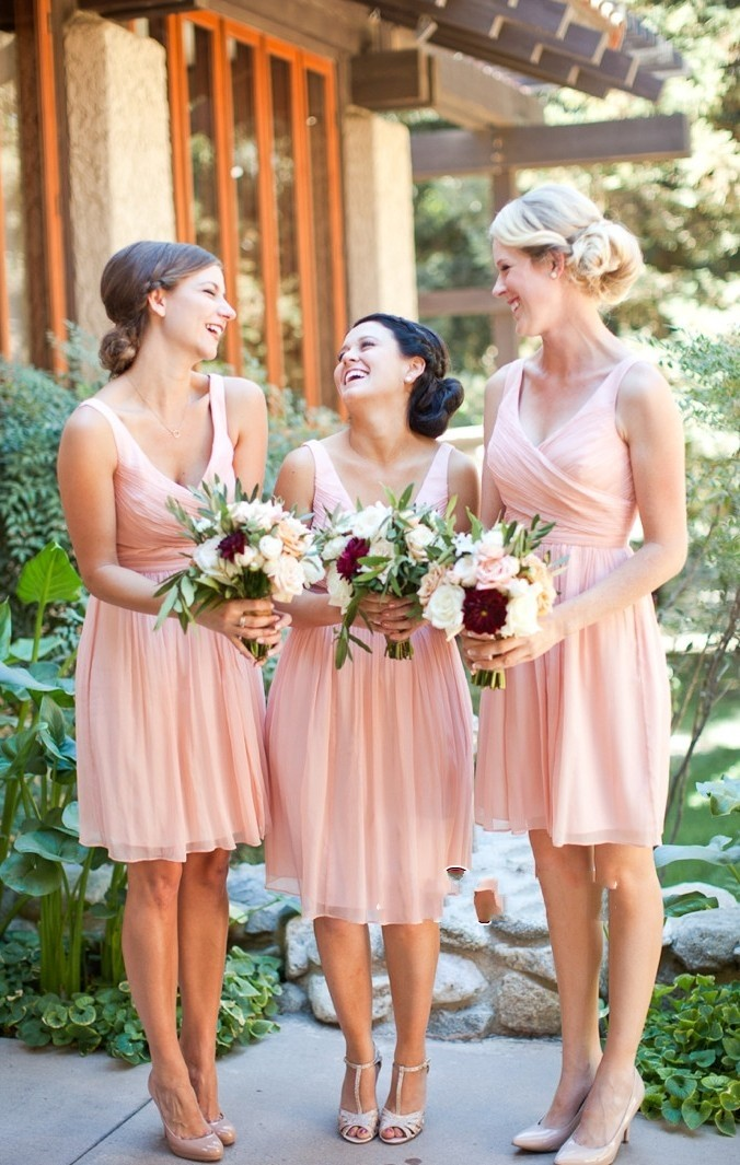 Stunning Peach   Bridesmaid     Dresses   Knee Length V-neck Elegant Cheap Wedding Party Gowns vestido madrinha