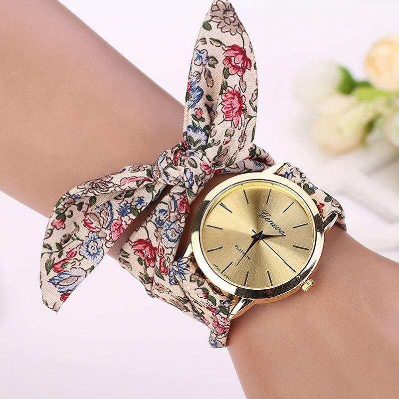 00dbf2c82 النساء فتاة الأزهار الجاكار القماش الكوارتز الطلب سوار ساعة اليد بسيطة  عارضة الأزهار القماش الساعات أنيقة