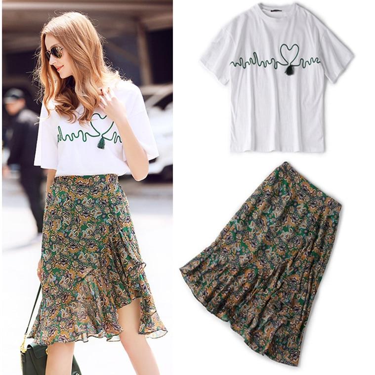 2 Stück Kleidung Set Frauen Mode Stickerei Stickerei Weiß Tees Und Rüschen Floral Print Röcke Anzüge Ns351