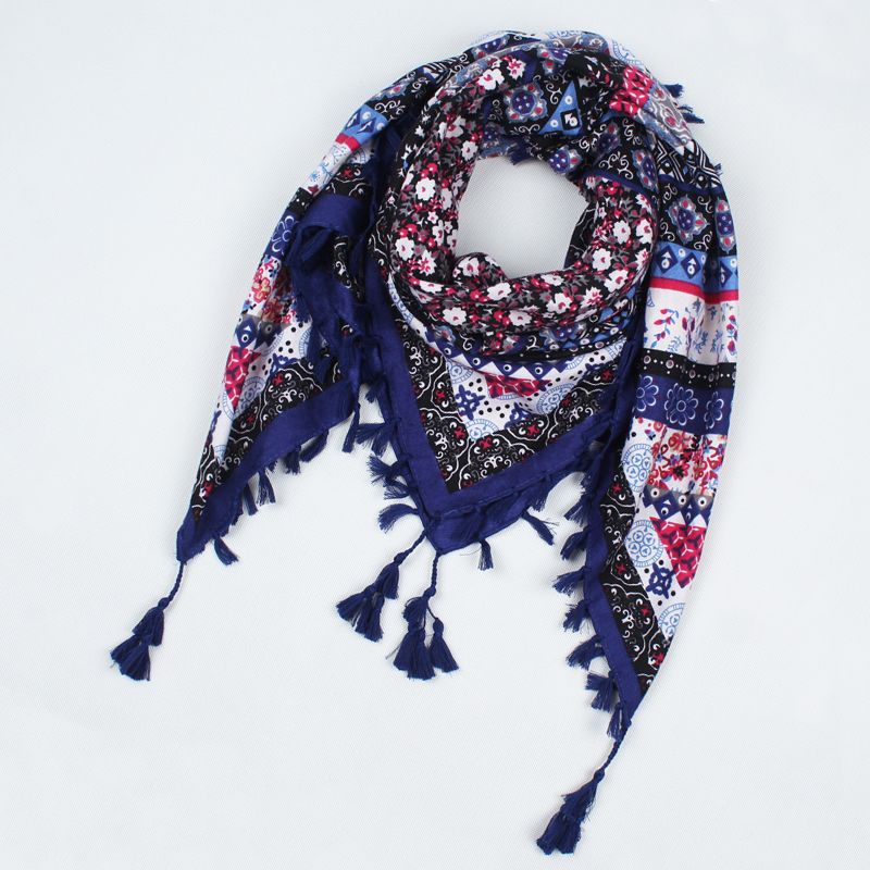0ea90f1edd5a 2018 hot sale new fashion woman Scarf square scarves tassel Printed Women  Wraps Winter autumn ladies shawls drop shipping 003-in Women s Scarves from  ...