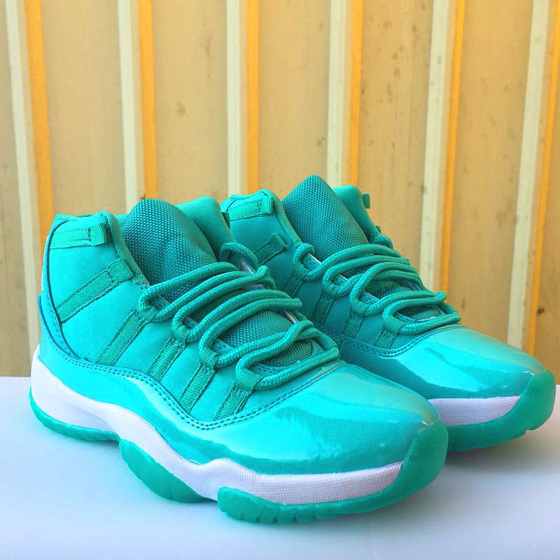 15b21ee235be 11 XI Women Basketball Shoes UNC Chicago red Space Jam 45 Bred high Bred  win like 82 96 Athletic Outdoor Sport Sneakers Jordan-in Basketball Shoes  from ...