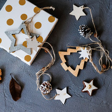 Natural Wood Christmas Pendant Stars Christmas Tree Pine Corn Drop Ornaments Creative Nordic Style Party/Holiday Decoration(China)