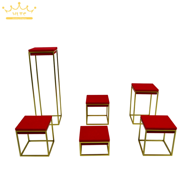 цена на Newest Stainless Steel Jewelry Display Stand Showcase Red Velvet Jewellery Display Rack Stand Holder