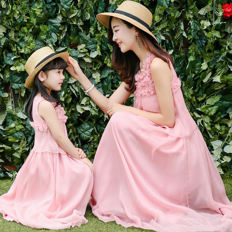 Mother and Daughter Sets Spring and Summer Europe and America Beach Resort Bohemia Silk Fashion Dress Family Clothing Outfits mayflower beach resort 3 гоа