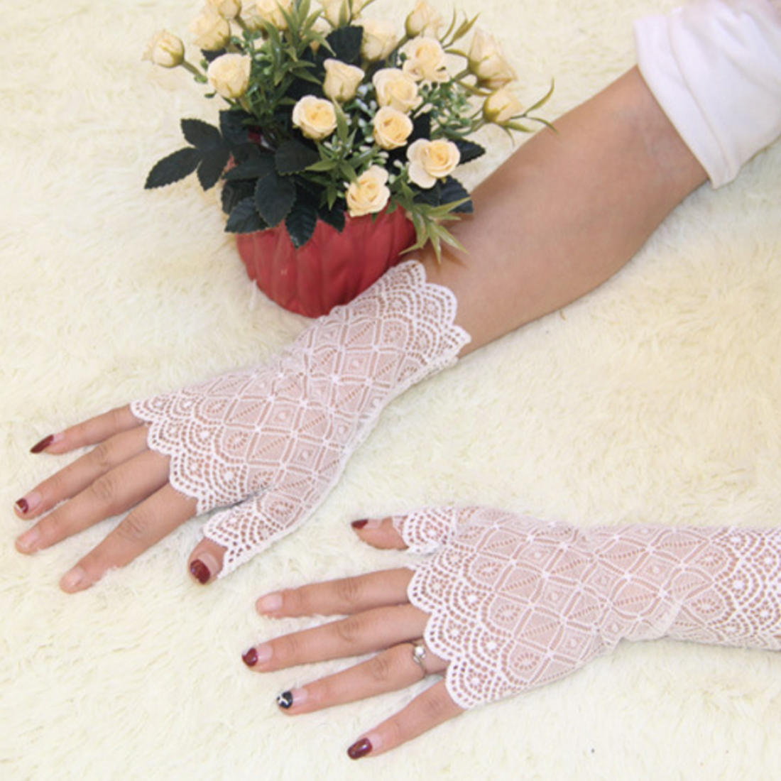 spring and summer womens sunscreen short gloves fashion sexy fingerless lace driving gloves Spring and Summer Lace glove