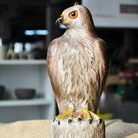 Garden decoration figurine,Lifelike hawk decoy scares away birds scarecrow