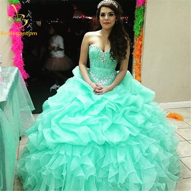 2018 New In Stock Ball Gown Cheap Quinceanera Abiti Organza con perline Paillettes Sweet 16 Abito per 15 anni Abito debuttante