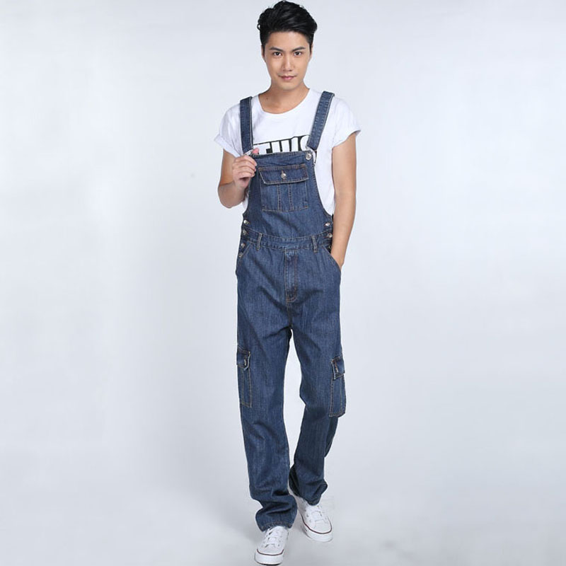 Fashion Multi pocket denim overalls for boys Male casual loose jumpsuits Plus size Bib pants Straight Baggy cargo jeans 062906 fashion casual loose denim overalls men large size 46 cargo pants male jeans jumpsuits spring vintage sexy denim trousers 062909