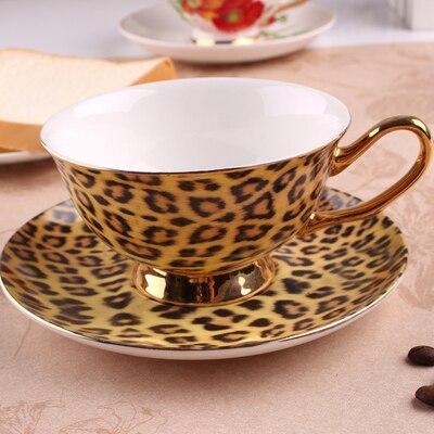 Tasse à café imprimé léopard et soucoupe britannique thé Royal Cappuccino ensemble de boissons en céramique bord d'or tasse en porcelaine + plat