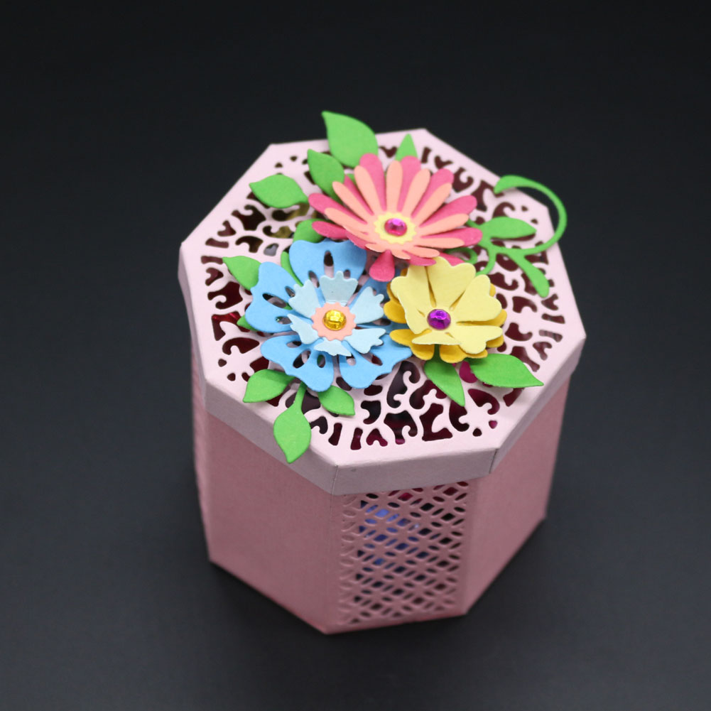 New Candy Box Metal Cutting Dies Scrapbooking Embossing Folder Suit for Cutting Machine Eight Face Body Lockers Greeting Card