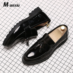 M-anxiu 2018 Mens Black Wedding Shoes Wingtip Patent Leather Slip-On Loafers Business Casual Shoes Breathable Oxford Shoes
